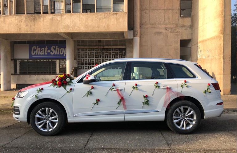 Hire Luxury Wedding Audi Q7 in Punjab, Punjab Wedding Cars